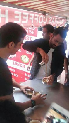 Dhoni in Chennai tea shop