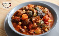 Leczo wegetariańskie z ciecierzycą. Co najmniej tak samo dobre, a dużo zdrowsze! [PRZEPIS] Kung Pao Chicken, Wok, Chana Masala, Stew, Healthy Recipes, Healthy Food, Ethnic Recipes, Kids, Diet