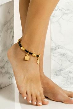Slim leather anklet handmade with 24k gold or silver plated embellishments which means they don't tarnish with sun. It comes in two colors, black and natural tan. Wear this elegant piece with cropped hemlines all summer long, layered or solo. Explore our collection of unique leather anklets and add a bohemian-luxe touch to your summer outfit. We use the same premium leather we built the sandals with, the finest materials and the impeccable local craftsmanship. Ankle Jewelry, Dainty Jewelry, Bohemian Jewelry, Jewelry Accessories, Gold Anklet, Silver Anklets, Women's Anklets, Anklet Designs, Long Layered