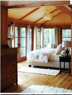 Chandelier Olivia's room