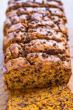 The+Best+Pumpkin+Chocolate+Chip+Bread+-+Super+soft,+moist,+rich+pumpkin+flavor,+and+loaded+with+chocolate+chips!+Easy,+no+mixer+recipe+that's+the+BEST!!