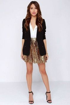 Trendy holiday outfits new years eve sparkly skirt 15 Ideas Sequin Skirt Outfit, Skater Skirt Outfit, Gold Sequin Skirt, Sparkly Skirt, Skirt Outfits, Gold Outfit, Sequin Jacket, Navy Jacket, Gold Sequins