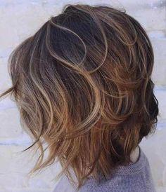 11. Wellige Kurze Haare