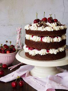 Black Forest Cake Recipe- Receta Tarta Selva Negra more - Sweet Desserts, Sweet Recipes, Delicious Desserts, Cake Recipes, Dessert Recipes, Sweet Cakes, Cute Cakes, Yummy Cakes, Food Cakes