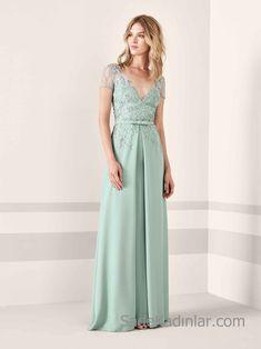 Pronovias 2019 Abiye Elbise Modelleri Yeşil Uzun Kısa Kollu V Yakalı Transparan Detaylı Boncuk İşlemeli
