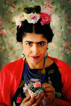 משלוח מנות בתחפושת - פרידה קאלו. איך מכינים תחפושת ומשלוח מנות. Frida Kahlo inspired.
