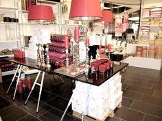Butiksdekoration, merchandising og skilte...