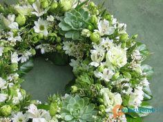 Cvetličarna Zvonček, Frida Bijec s.p. Floral Wreath, Wreaths, Home Decor, Decoration Home, Room Decor, Bouquet, Flower Band, Interior Decorating, Floral Arrangements