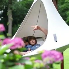 ⛺Your self space in the wild or at home!!! 🏡Nest Hammock Swing Chair!!! 🏕🌠Make your own sky garden Cacoon Hammock, Hanging Hammock Chair, Swinging Chair, Diy Hammock, Dog Toilet, Backyard Patio, Backyard Furniture, Furniture Ideas, Sky Garden
