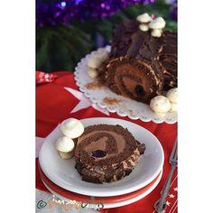 Bûche de Noël- a special dessert ❤️❤️ #cakesofinstagram #cakegram #instafood #instacake #chocolatecake #chocolatelover #chocolate #cherry #yulelog #yulelogcake #swissroll #dessert #design #delicious #delight #ontheplate #onthetable #fiveoclockpastry #teatime #coffetime #meringuecookies #heavenlydessert #bakersofinstagram #french #pastrylove #pastry Chocolate Mousse Cake, Chocolate Cheesecake, Chocolate Pudding, Chocolate Desserts, Chocolate Chip Cookies, Chocolate Cherry, Yule Log Cake, Meringue Cookies, Dessert Sauces