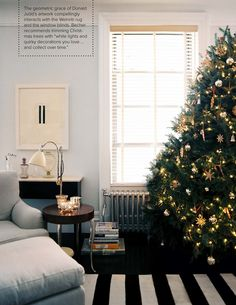 Savvy Home: Shop the Look: An Upper West Side Christmas Living Room Photos, Living Room Decor, Living Spaces, Upper West Side, Simple Christmas, White Christmas, Modern Christmas, Beautiful Christmas, Merry Christmas
