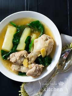 Filipino Food Friday: Chicken Tinola | http://paleofoodiekitchen.com/2015/05/chicken-tinola/