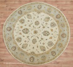 Circle Rug, Classic Rugs, Shades Of Beige, Round Area Rugs, Traditional Rugs, Weaving Techniques, Wool Area Rugs, Hand Knotted Rugs, Wool Yarn