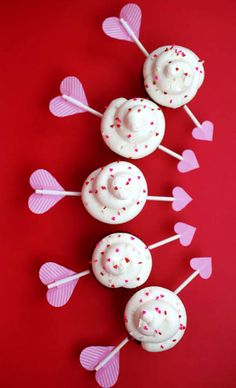 Cupid's Arrow Valentine's Day Cupcakes