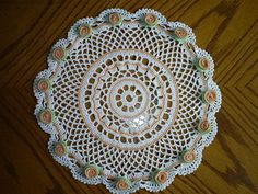 Button flower doily with diagram