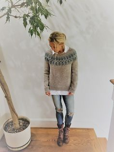 Knitting Patterns Poncho Ravelry: Project Gallery for Humulus Pattern by Isabell Kraemer Diy Knitting Projects, Knitting Designs, Jumper Knitting Pattern, Hand Knitting, Icelandic Sweaters, Fair Isle Knitting, Knit Patterns, Pulls, Ravelry