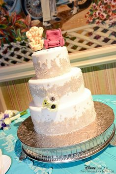 Wedding cake with Carl and Ellie's chairs