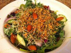 Pour renforcer la capacité de votre corps à lutter contre le cancer, vous avez besoin de manger ce que j'ai mangé: La plus grande salade saine et redoutable de la planète! Elle se compose de légumes crus et biologiques, dechoux, degraines germées, de graines et de noix oléagineuses et de vinaigrette maison. Cette salade est …