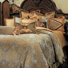 Bedding | Michael Amini Furniture Designs | amini.com