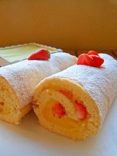 Rotolo con crema al limone e fragole - Lemon custard and strawberries roll  http://blog.giallozafferano.it/rossoduovo/rotolo-con-fragole-e-crema-al-limone/