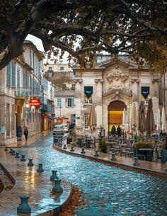 Por lo lados deAvignon, Francia.