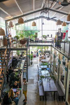Outdoor Restaurant Design, Bar Restaurant, Modern Architecture Design, Gothic Architecture, Different House Styles, Cafe House, Coffee Shop Design, Cool House Designs, Building Design