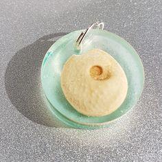 Turquoise shell key ring round resin jewellery Resin Jewellery, Key Rings, Shells, Turquoise, Shop, Desserts, Key Holder Job, Shelled, Tailgate Desserts
