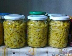 Zöldbab télire üvegben | Egészséges ételek - egészségesen elkészítve Canning Pickles, Pickling Cucumbers, Ketchup, Diy Food, No Bake Cake, Food Storage, My Recipes, Mason Jars, Bacon