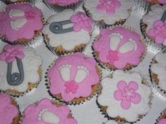 Baby shower cupcakes cute!!!