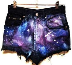 a galaxy print. DIY shorts i'm totally doing these!DIY shorts i'm totally doing these! Outfits Casual, Teen Fashion Outfits, Outfits For Teens, Diy Fashion, Ideias Fashion, Cool Outfits, Summer Outfits, Gothic Fashion, Summer Shorts