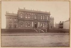 Stage one of #Melbourne's Trades Hall building, Lygon St, Carlton, seen not long after its construction, c.1875. Further stages were constructed to 1925. A modernist annexe/meeting hall was constructed behind the building, c.1960s. Meeting Hall, University Of Melbourne, Lest We Forget, Historic Homes, A Team, Taj Mahal, The Past, Old Things, History