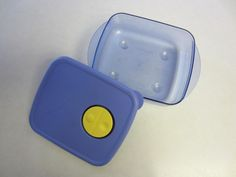 Tupperware Rock n Serve Container Microwave 2 1/2 Cup Blue