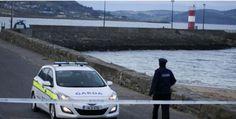 Hombre rescata a bebé que cayó de muelle al agua en Irlanda -...