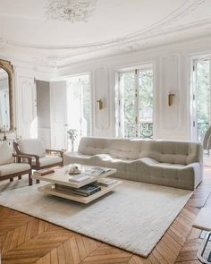 #neutral #livingroomideas #livingroomtrends #trends #caffelatte New Interior Design, Best Interior, Home Interior, Interior Design Inspiration, Home Decor Inspiration, Interior Styling, Home Design Living Room, Living Room Trends, Home Living