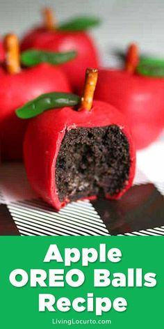 back to school party Easy Apple OREO Balls to kick off back to school season. Fun food craft recipe fw adorable teacher gift or back to school party. Mini Desserts, Easy Desserts, Dessert Recipes, Party Recipes, Cookie Recipes, Oreo Dessert, Cute Food, Good Food, Crackers