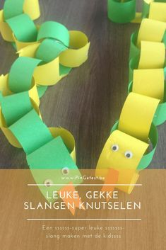 Snake tinkering with paper - animal tinkering - easy craft project for . Easy Craft Projects, Easy Crafts, Diy And Crafts, Craft Ideas, Diy For Kids, Crafts For Kids, Paper Animals, Disney Diy, More Fun