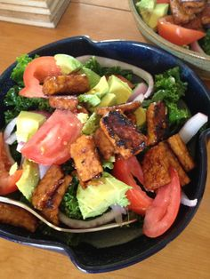 BLK salad from #saladsamurai. Everything was in my CSA except the tempeh. #vegan