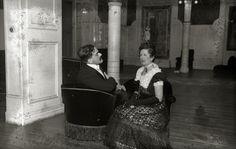 "Fiesta de disfraces ""1900"" celebrada en el Gran Casino de San Sebastián en 1935. Fotógrafo Ricardo Martín. Couple Photos, Couples, Costumes, Fiesta Party, Couple Shots, Couple, Couple Pics"