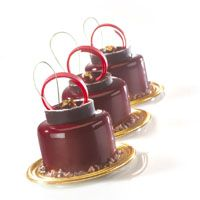 Le griottin rouge et noir Mousse Cake, Macaron, Chocolate Fondue, Cakes, Desserts, Collection, Fine Dining, Red, Recipes