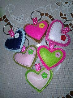 Felt Crafts Patterns, Fabric Crafts, Sewing Crafts, Felt Turtle, Heart Crafts, Art N Craft, Felt Decorations, Felt Diy, Felt Hearts