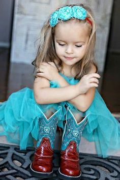 Flower girl look I'm going for but with a flannel...love love love the boots!!:)