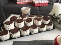 Recept: Kozák sapka (hólabda) cukormentesen, az ünnepekre – Stop Sugar Healthy Baking, Healthy Recipes, Healthy Food, Cheesecake, Paleo, Food And Drink, Low Carb, Xmas, Sweets