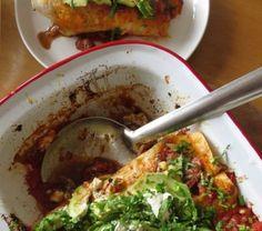Spiced Chicken Enchiladas with Crème Fraiche and Avocado Easter Recipes, New Recipes, Easter Food, Farro Recipes, Chicken Spices, Creme Fraiche, Chicken Enchiladas, Guacamole, Avocado