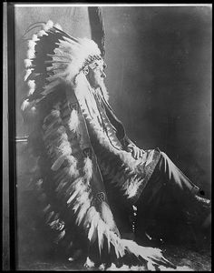native american headdress, via Flickr.