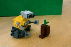 Wall-E: A LEGO® creation by Sean Kenney : MOCpages.com with instructions