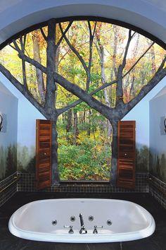 livingpursuit:  Bath with a view