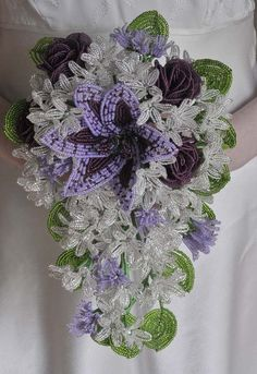 Gorgeous design from Bead Flowers UK. Teardrop bouquet using the bride's colour theme Flowers Uk, Seed Bead Flowers, French Beaded Flowers, Beading Tools, Beading Projects, Fuse Beads, Beads And Wire, Perler Beads, Ikebana