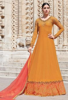 Looking to buy Anarkali online? ✓ Buy the latest designer Anarkali suits at Lashkaraa, with a variety of long Anarkali suits, party wear & Anarkali dresses! Floor Length Anarkali, Long Anarkali, Anarkali Dress, Anarkali Suits, Lehenga Choli, Pakistani Suits, Pakistani Dresses, Eid Dresses, Dresses Online