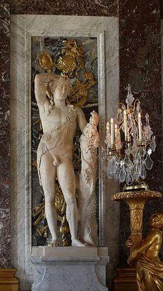Statue of Bacchus. Louis Xiv, Rue Rivoli, Versailles Paris, Visit Versailles, Statue Antique, Belle France, Ancient Greek Sculpture, Hall Of Mirrors, Templer