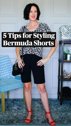Summer Outfits Women, Short Outfits, Casual Outfits, Casual Clothes, Clothes For Women, Bermuda Shorts Outfit, Summer Shoes, Fashion Hacks, Fashion Tips